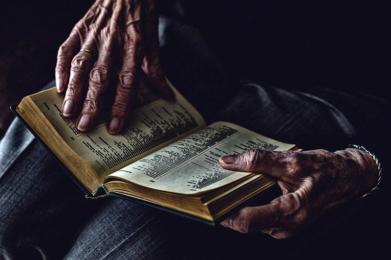 Elderly reader
